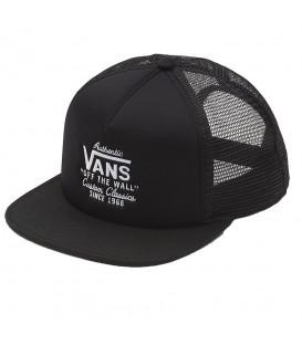 Gorra Vans Galer Trucker VA31CDBLK en color negro en chemasport.es y Chema Sneakers. Entra y descubre más gorras Vans.