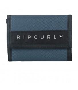 Cartera Rip Curl Surf Wallet BWUBO4 0070 en color azul, entre en chemasport.es y descubre más modelos y colores