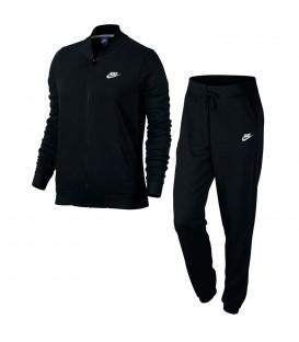 Chándal Nike Sportwear 831119-010 para mujer en color negro, entra en chemasport.es y descubre nuestro amplio catálogo