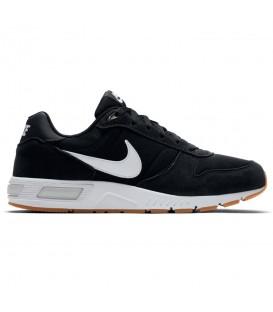 Comprar deportivas para hombre Nike Nightgazer 644402-006 de color negro al mejor precio en chemasport.es, tu tienda de deportes online