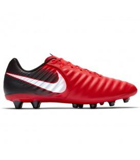 Botas de fútbol para hombre Nike Tiempo Ligera IV AG-PRO 897743-616 de color rojo. Otros modelos de Nike fútbol en tu tienda de deportes chemasport.es
