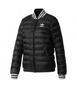 Compra ahora la chaqueta adidas Collegiate Blouson de color negro al mejor precio. Ref: BS4985. Envíos nacionales gratuitos + 50 euros.