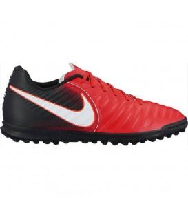 Compra ahora las botas de fútbol para hombre Nike TiempoX Rio IV (TF) pensadas para juego en moquetas Turf. Envíos gratuitos en pedidos superiores a 50 euros.
