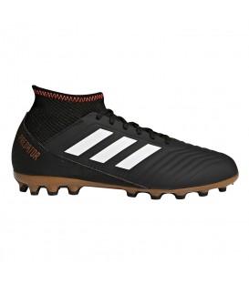 Compra ahora tus botas de fútbol para niño adidas Predator 18.3 AG J pensadas para el juego en césped artificial. Ref: CP9019