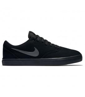 Zapatillas unisex para hombre y mujer Nike SB Check Solarsoft de color negro. Otros modelos de Nike al mejor precio en chemasport.es
