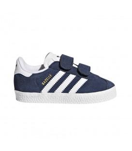 Zapatillas para niños Adidas Gazelle CF I CQ3138 de color azul marino con cierre de velcro. Otros modelos de deportivas adidas en chemasport.es