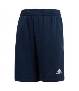 Pantalón corto adidas Essentials Logo CE8622 para niño en color azul marino, pantalón deportivo para niños muy cómodo, disponible en chemasport.es