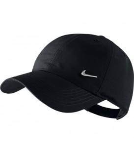 Gorra para niños Nike H86 Junior de color negro al mejor precio en chemasport.es, tu tienda de deportes online. Otras gorras de Nike en chema sport.