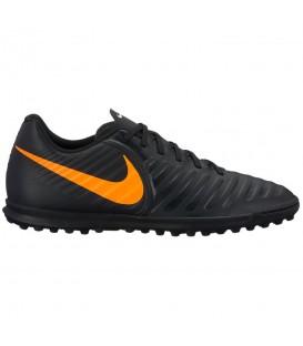 Botas de fútbol para hombre Nike Tiempo LegendX 7 Club AH7248-080 de color negro y naranja al mejor precio en tu tienda de deportes online Chema Sport.