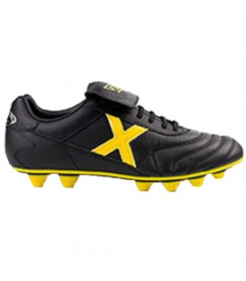 Botas de fútbol Munich Mundial U 2150214 en color negro y amarillo. Entra en chemasport.es y descubre más modelos de botas de fútbol.