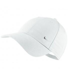 Gorra Nike Metal Swoosh 340225-100 en color blanco, gorras clásicas en chemasport.es, entre y descubre todos los modelos