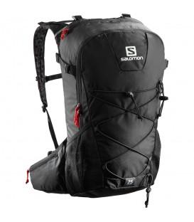 Mochila Salomon Evasion 25L L40162700 en color negro, mochila de trail con compartimento para bolsa de hidratación y distema de distribución de carga.