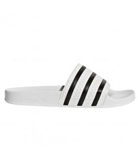 Chanclas de natación o moda sportwear adidas Adilette 280648 de color blanco al mejor precio en tu tienda de deportes online chemasport.es
