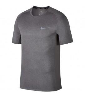 Camiseta de running Nike Dry Miler Top para hombres de color gris. Camiseta de running para sacar el máximo partido a tus entrenamientos. Ref: 833591-036