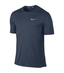 Camiseta de running Nike Dry Miler Top 833591-471 para hombres de color azul, camiseta con tejido Nike Dry para una eficaz evaporación del sudor.