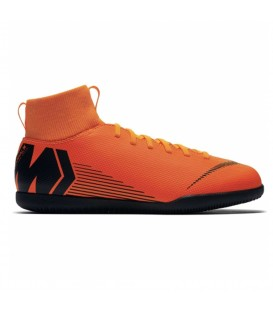 Zapatillas de fútbol sala para niños Nike Junior SuperflyX 6 club IC AH7346-810 de color naranja. Otros modelos de fútbol sala en chemasport.es