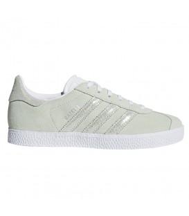 Zapatillas para mujer y niños adidas Gazelle Junior CQ2883 de color verde con refuerzos de piel y ante al mejor precio en chemasport.es