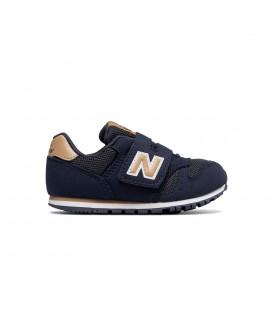 Zapatillas para niños con cierre de velcro New Balance KV373 de color azul marino y marrón. Otros modelos de New Balance al mejor precio en chemasport.es
