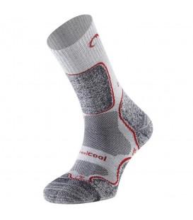 ¿Necesitas unos calcetines de trekking? En chemasport.es encontrarás los Calcetines Lurbel Logan 00A1.174W.2805 para mujer en color gris al mejor precio.
