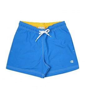 Bañador Champion 304653-BS044 para niño en color azul, bañador para la playa o la piscina, gracias a su cómodo corte podrá jugar con total libertad.