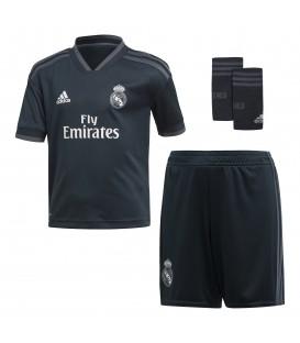 Kit de la segunda equipación del Real Madrid para niños para la temporada 2018/19. El conjunto del Real Madrid al mejor precio en chemasport.es