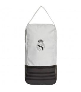 Zapatillero adidas Real Madrid CY5610 en color blanco y negro, zapatillero con inserciones de malla para una mejor ventilación.