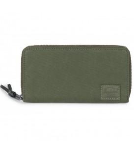 Cartera Herschel Thomas 10384-01561 en color verde, en esta cómoda cartera podrás llevar de forma ordenada todas tus tarjetas e incluso tu teléfono móvil.