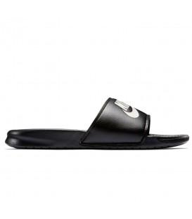Chanclas unisex Nike Benassi JDI 343880-090 de color negro al mejor precio en chemasport.es