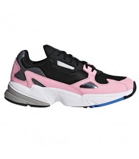 Zapatillas para mujer adidas falcon B28126 de color negro y rosa al mejor precio y gastos de envío gratis en chema sneakers pontevedra