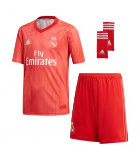 Conjunto adidas Real Madrid DP5444 para niños, kit con la equipación del Real Madrid para niños, incluye camiseta, pantalón y medias.