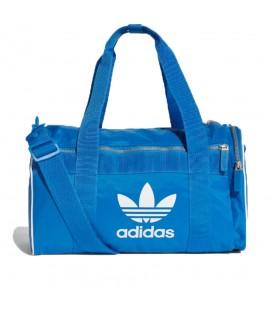Bolsa de deporte Adidas Duffle M DH4323 de color azul para el gimnasio al mejor precio en tu tienda de sneakers chemasport.es