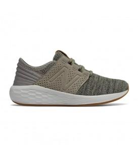 Zapatillas para niños New Balance Cruz Running Kids KJCRZKYG de color verde al mejor precio en chemasport.es