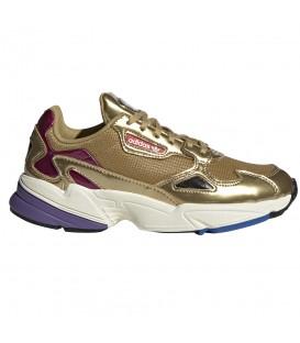 Zapatillas para mujer adidas Falcon W CG6247 de color dorado al mejor precio en tu tienda de sneakers en Pontevedra.