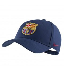 Gorra del Barsa de la marca Nike con escudo del FC Barcelona en la parte delantera. Otros modelos de gorras en Chema Sport.