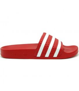 Chanclas Adidas Adilete en color rojo con un diseño clásico y gran comodidad. Cómpralas online en Chema Sport y recíbelas en 24-48 horas