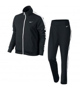 Chánda barato para mujer de Nike en color negro con las rayas blancas. Otros chándales para mujer en chemasport.es