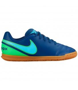 Zapatillas de fútbol sala para niños Nike Tiempo III IC Junior en color azul. Otros modelos de Nike fútbol sala en chemasport.es
