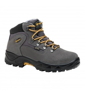 Compra ahora por solo 96.90 € las botas de montaña para mujer Chiruca Massana 26 (4402426). Un modelo ligero confeccionado con ante gris y detalles en amarillo