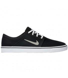 Compra tus Zapatillas Nike SB Portmore 725027-012 para hombre en color negro en chemasport.es al mejor precio. Tus modelos favoritos a los mejores precios