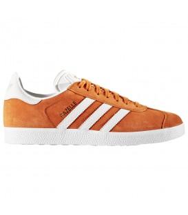 Compra tus Zapatillas Adidas Gazelle BY2853 para mujer en ante de color naranja y blanco en chemasport.es al mejor precio. Disponible en más colores.