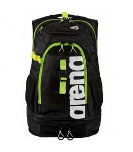 Mochila Arena Fastpack 2.1 de color negro y verde para triatlon, natacion u otros deportes. Más mochilas en Chema Sport.