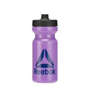 Botella deportiva Reebok Found 500 ML BP7170 de color lila para beber durante el entrenamiento.