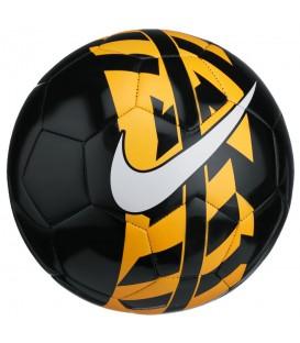 Balón de fútbol Nike React SC2736-065 en color negro y naranja. Más balones de fútbol al mejor precio en chemasport.es