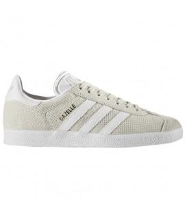 Zapatillas Adidas Gazelle para mujer BY9360 de color beige con piel perforada. Otros colores de Gazelle al mejor precio en Chema Sneakers.