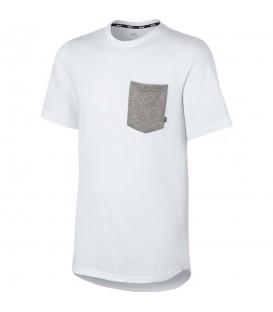 Camiseta Nike SB Dry Top para hombre. Esta camiseta de Nike pertenece a su colección SB para amantes del skate y la ciudad. Más en nuestra web chemapsort.es