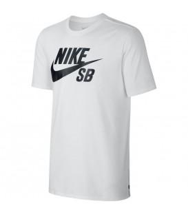 Camiseta Nike con logotipo estampado en el pecho. Un clásico de calidad. Descubre más en nuestro catálogo y Nike baratas en el Outlet Nike de Chema Sport