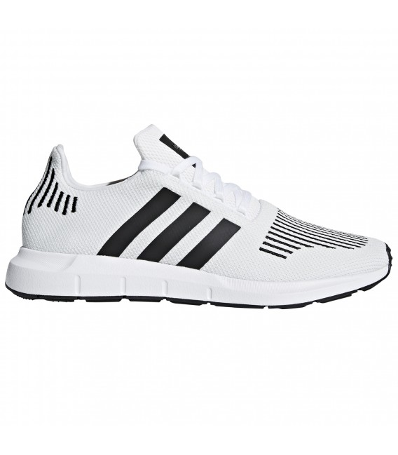 Zapatillas adidas Swift Run para hombre en color blanco d5756c66b0875