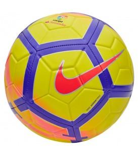 El balón Nike La Liga Strike SC3151-707 es el balón oficial de la liga 17/18, cómpralo ya en chemasport.es al mejor precio
