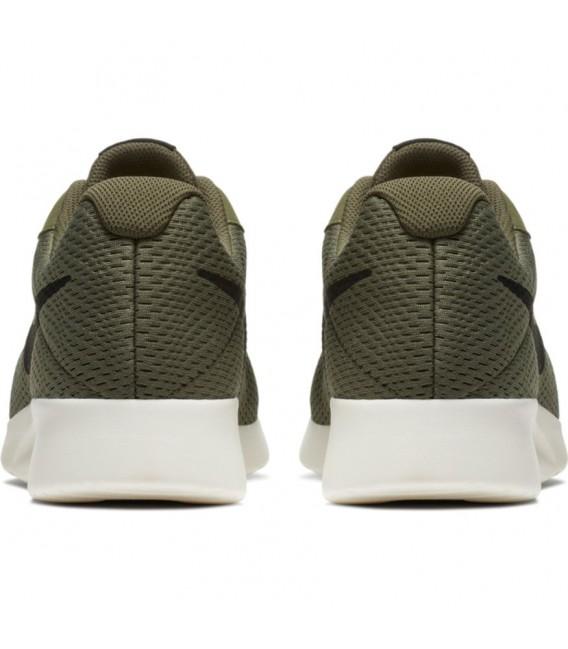 sanar sexual regla  Zapatillas Nike Tanjun SE para hombre de color verde