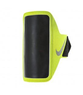 Brazalete Nike Lean N.RN.65.719.OS en color amarillo, con acceso a la pantalla táctil gracias a su ventana transparente, más colores en chemasport.es